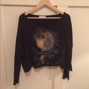 Long sleeved wolf moon crop top